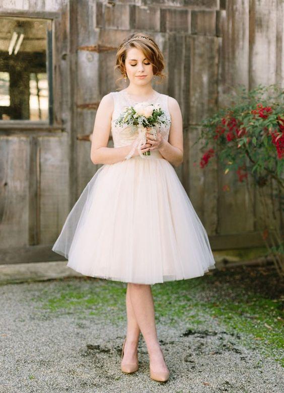 tiulowa któtka suknia ślubna