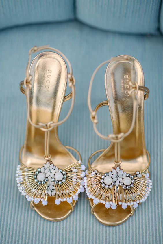 Złote buty do ślubu