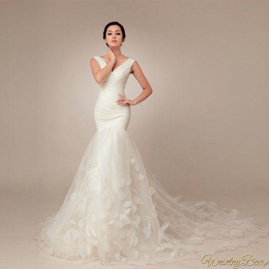suknia ślubna mocno poszerzany dół