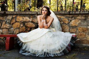 Dwuczęściowa suknia ślubna? To polecają projektanci!