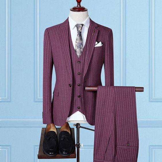 Ślubne garnitury w paski