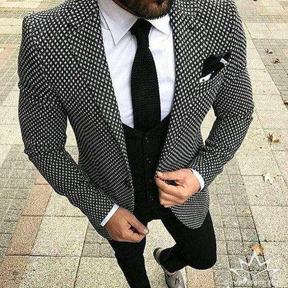 ślubne garnitury w printy