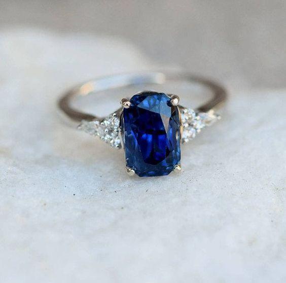 pierścionek zaręczynowy z szafirem