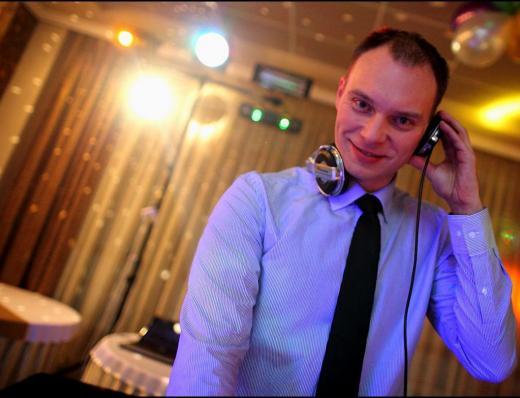 DJ PAWCIO ...