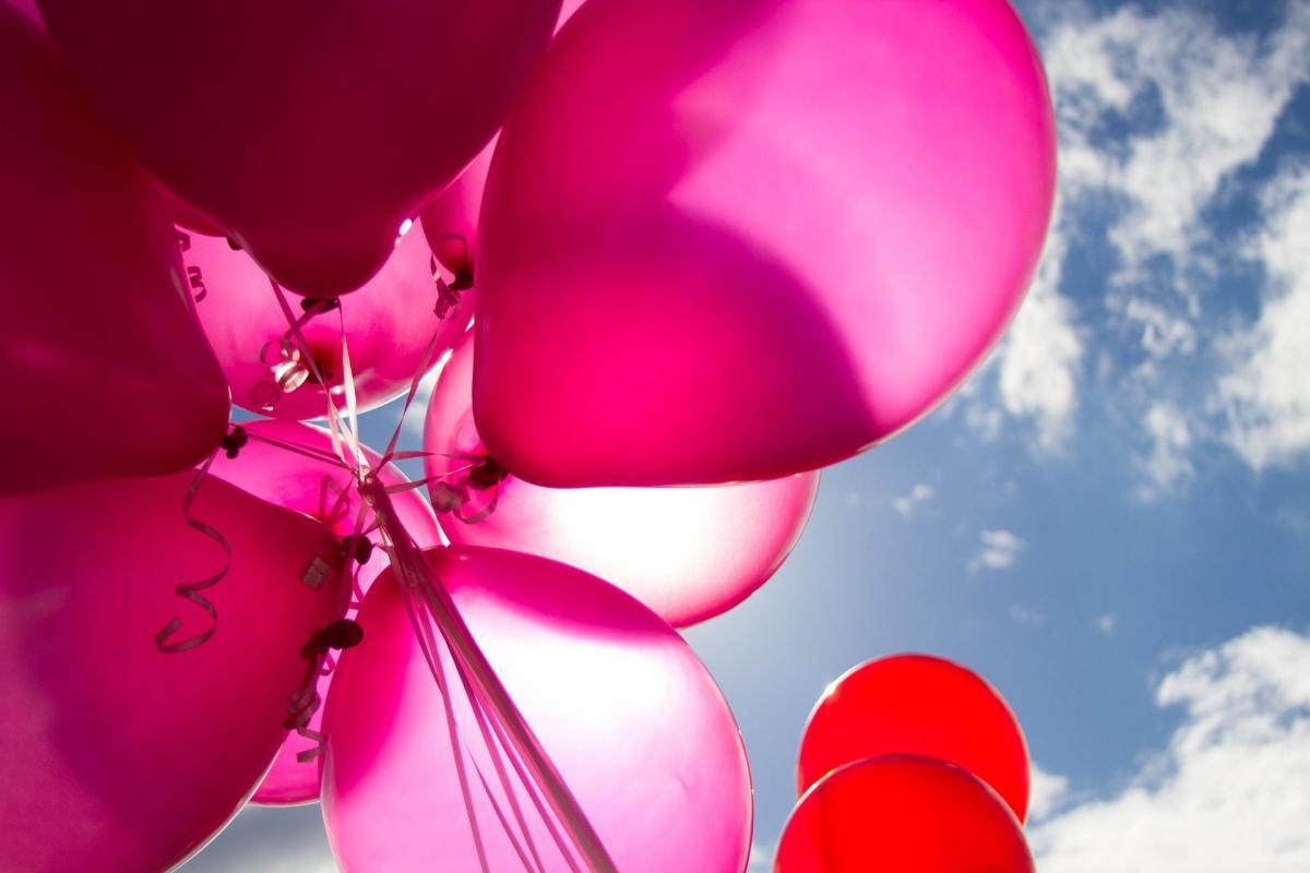 Balony z helem, dekoracje wnętrz i plenerów, skrzynia niespodzianka, balony z konfetti, balony ledow