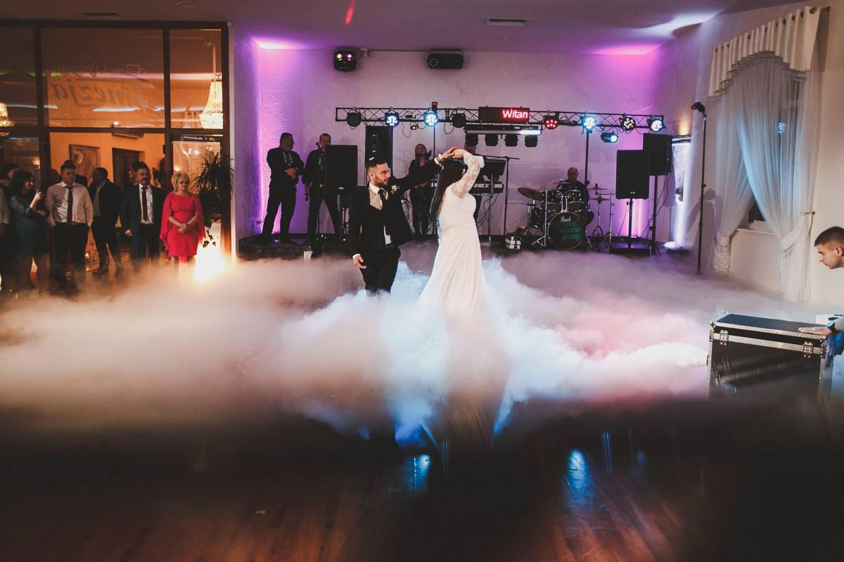 Atrakcje weselne SkyLove - ICiężki dym, napis LOVE, oświetlenie LEDI