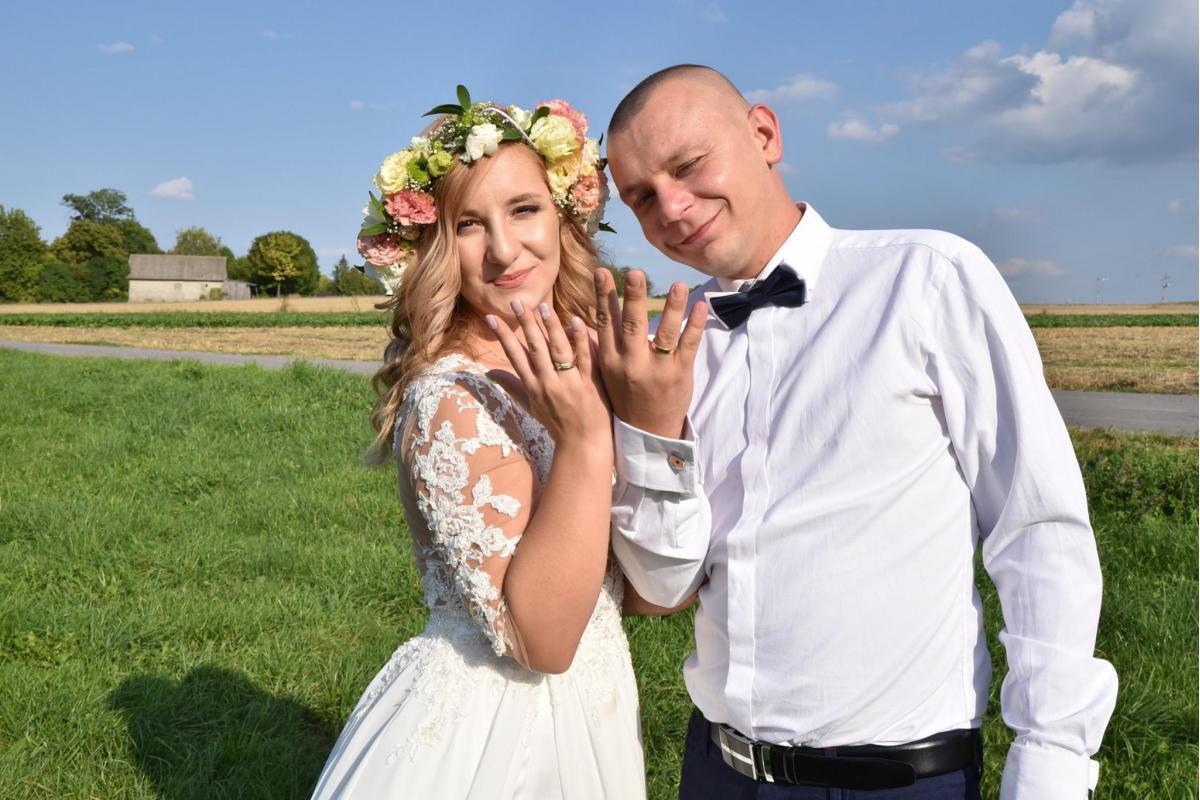 Oferuję Państwu usługi w zakresie Fotografii Ślubnej.