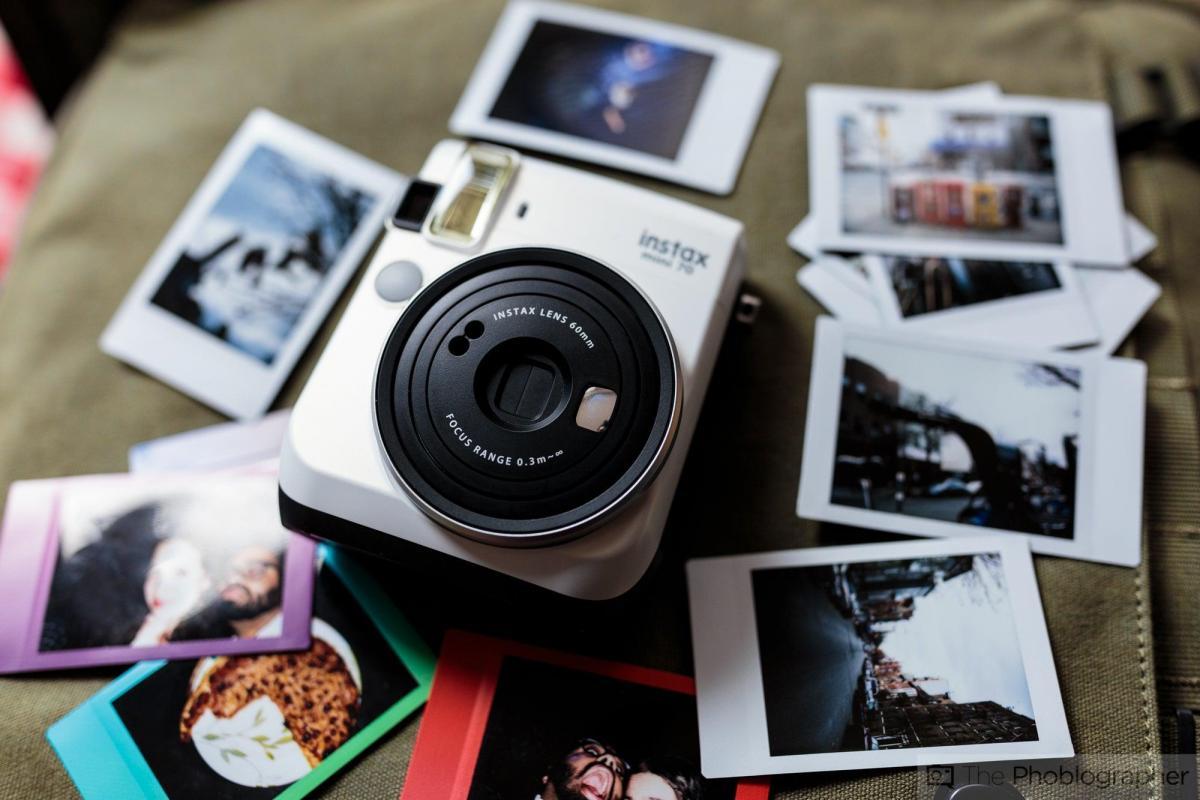 Aparat natychmiastowy Instax: stwórz własną fotobudkę!