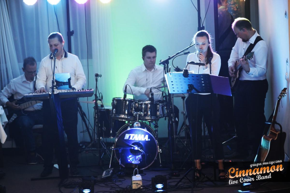 Cinnamon Live Cover Band