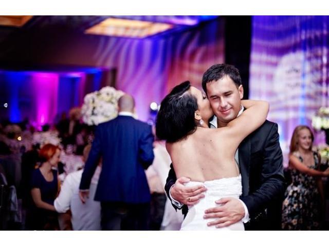 Dekoracje Światłem - Nowoczesne Atrakcje na Magiczny Ślub