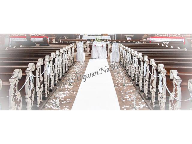 biały dywan na ślub, wesele