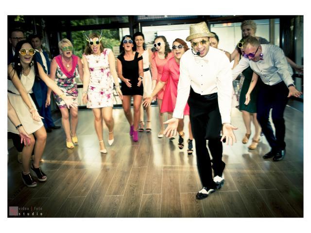 Śpiewający Wodzirej i DJ na wesele!