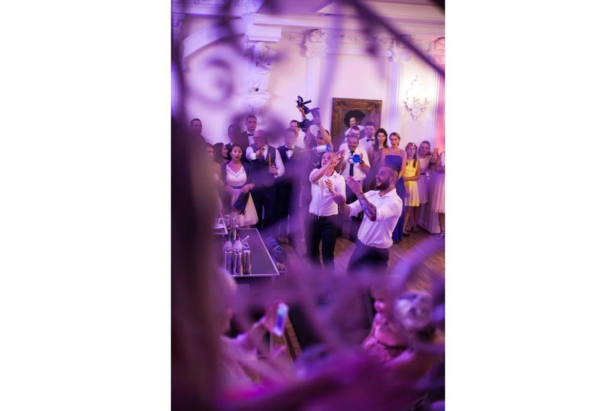 Profesjonalni Barmani na eventy,wesele, Pokazy Barmańskie Flair, Mobilne Bary