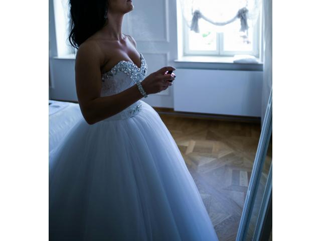 Suknia ślubna + welon 2,5 m od Violi Piekut