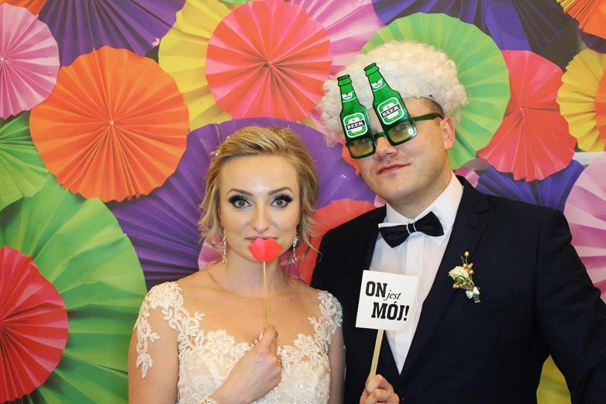 Fotobudka NR 1 na Twoją imprezę! Fotobudka na wesele, na sylwestra, na studniówkę