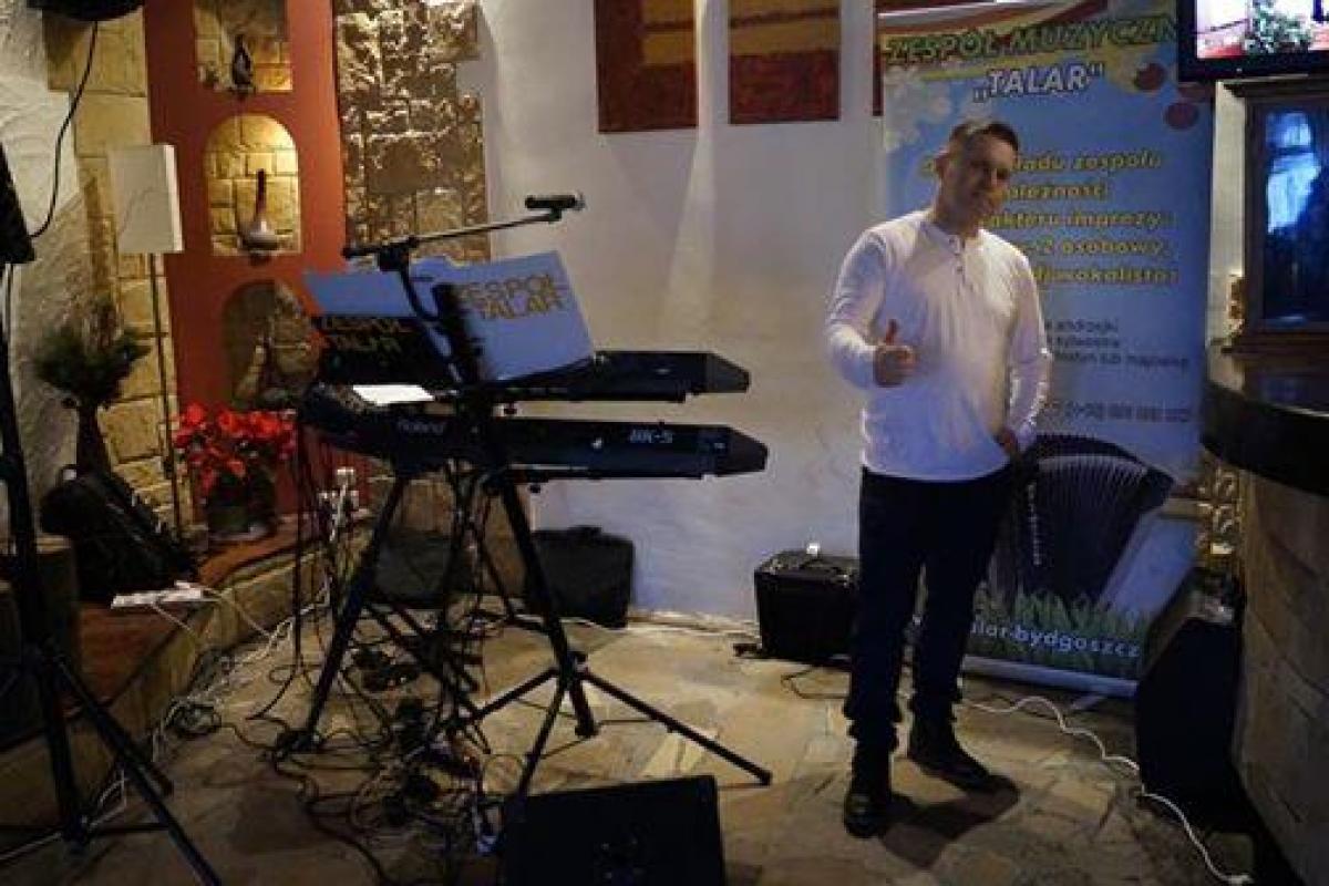 DJ- Wodzirej wokalista  szoł promocja 700zł filmowanie wesela