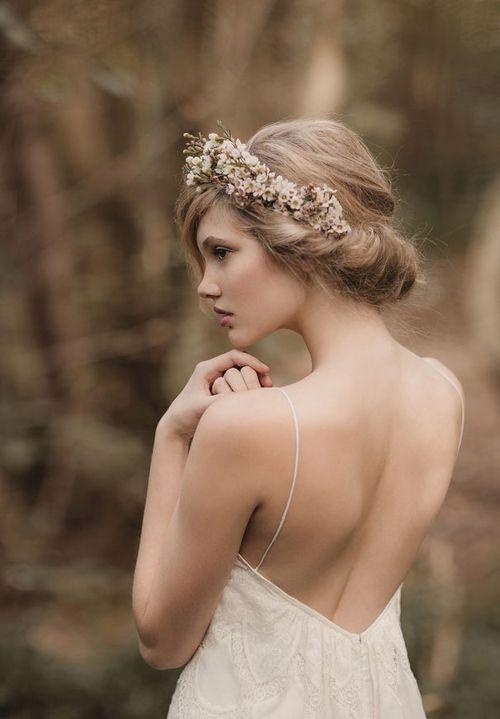 Biały wianek ślubny