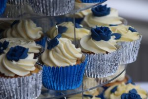Navy blue jest na topie, czyli granat kolorem przewodnim ślubu i wesela