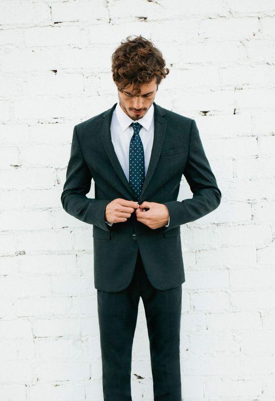 ciemno zielony garnitur ślubny