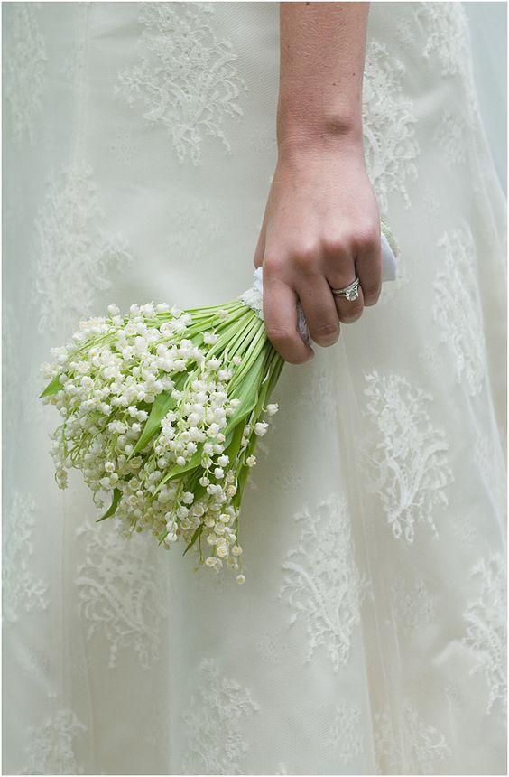 bukiet ślubny konwalie